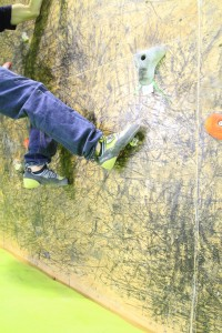 Uso y formas de pisar en la escalada. 48